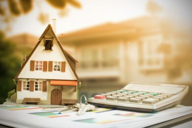 The Difference Between a Loan Modification and Refinancing